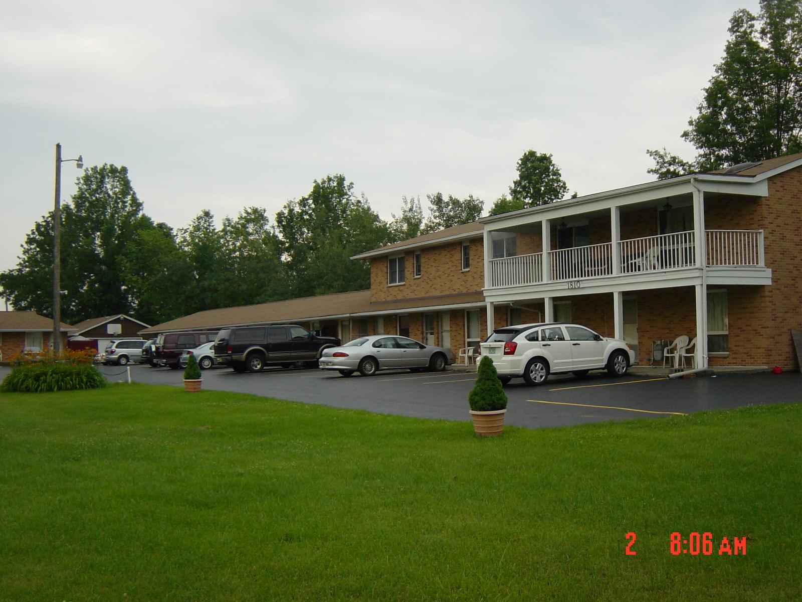 Chateau Motel Affordable Hotel Lodging Niagara Falls